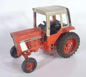 International Harvester Tractor 1586 Ertl Metal Toy