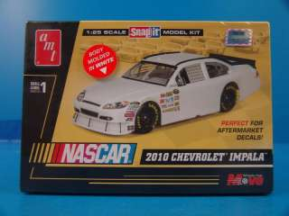 AMT 1/25 Scale Nascar 2010 Chevrolet Impala Racing Snap It Plastic