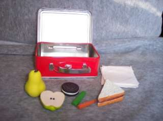 American Girl MOLLYS ORIGINAL/RETIRED Metal LUNCH BOX w/Fake Food