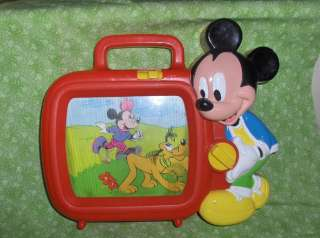 VINTAGE DISNEY MICKEY MOUSE MUSICAL MOVING TV MUSICAL WIND UP TOY