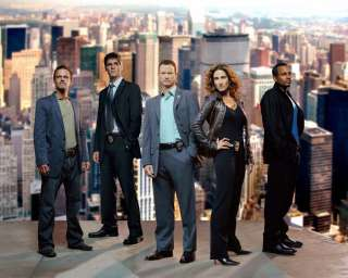 110439044_csi-new-york---24-x-30-cast-poster---1-ebay.jpg