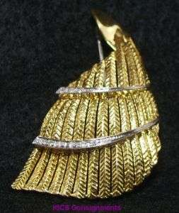 18K Gold and Diamond Hand Crafted Pin Brooch   VINTAGE   Made in Italy