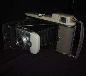 POLAROID MODEL 80 AUTOMATIC LAND CAMERA VINTAGE