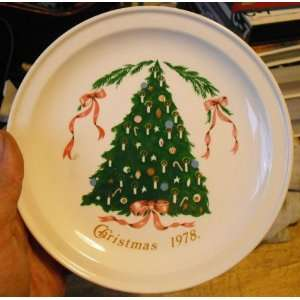 1978 Lillian Vernor Carrigaline Pottery Christmas Plate