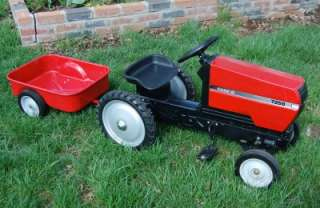 ERTL CASE IH 7250 PEDAL TRACTOR W/TRAILER   INTERNATIONAL HARVESTER