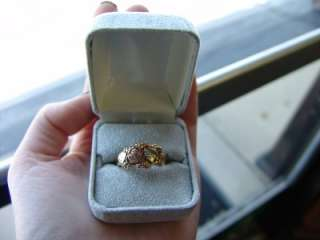 Up for auction is this 10K Black Hills Tricolor Gold Band Ring with
