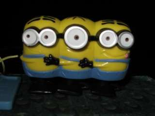 DESPICABLE ME Pull Toy MINION CONGA LINE 1 & 2 Eyed NEW