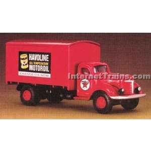IMEX HO Scale International KB 8 Box Truck   Texaco