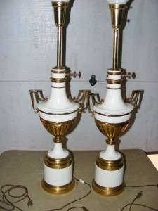 VINTAGE HOLLYWOOD REGENCY STIFFEL BRASS URN TABLE LAMPS LAMP WHITE