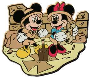 DISNEY TREASURE HUNT MICKEY AND MINNIE MOUSE LE 900 PIN