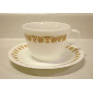 oz Pyrex Round Bottom Cup & Corelle Saucer (Set of 4)