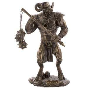 Minotaur Warrior With Mace: Toys & Games