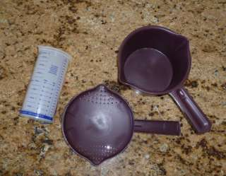 Pampered Chef Lot Microwave Cooker and Wet/Dry Measure Cup